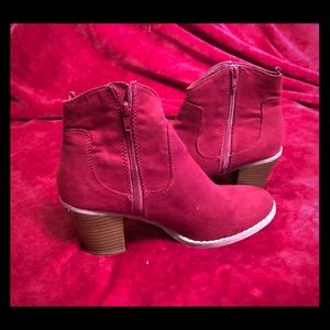 Old Navy- size 9 Burgundy suede booties